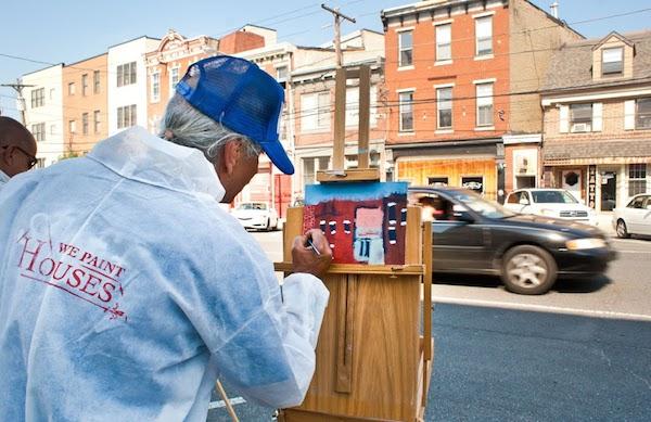 Painter Victor at work. Photo courtesy Felipe Castelblanco