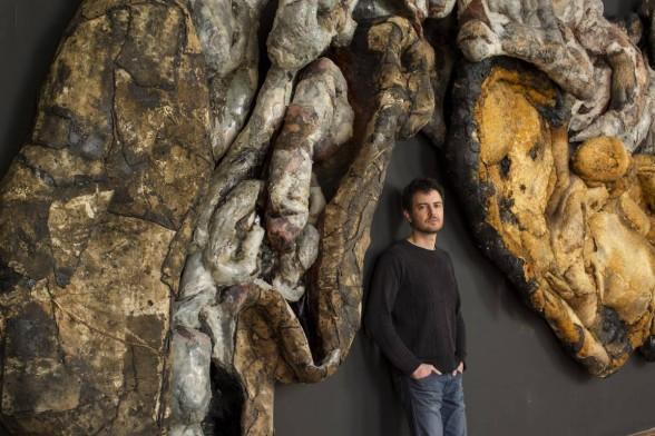 Henrique Oliveira by sculpture
