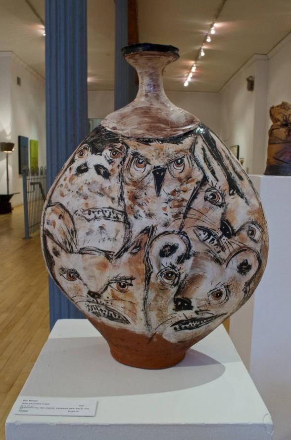 Animal drawings on ceramic