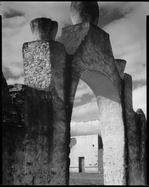 "Paul Strand, ""Gateway – Hidalgo,"" 1933, ©Aperture Foundation Inc., Paul Strand Archive, Organized by the Syracuse University Art Galleries."