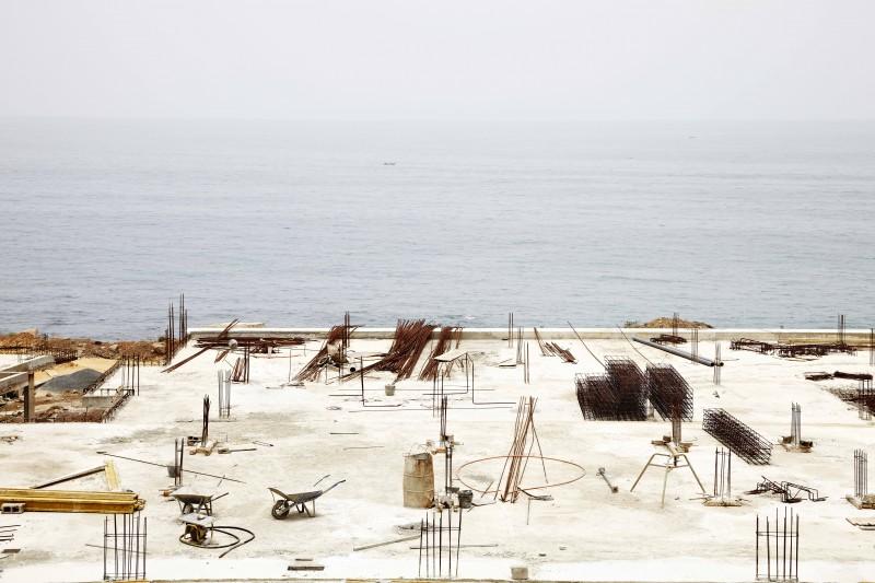 """""""Baie de Mermoz II, Dakar, Sénégal, 2012"""". François-Xavier Gbré © 2015/Courtesy of the artist and Galerie Cécile Fakhoury, Abidjan."""