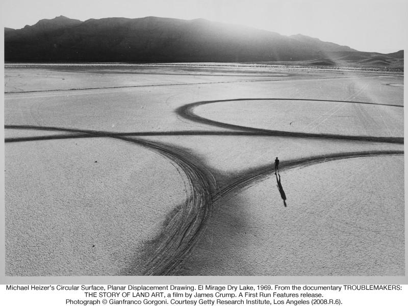 Michael Heizer Land Art in the desert