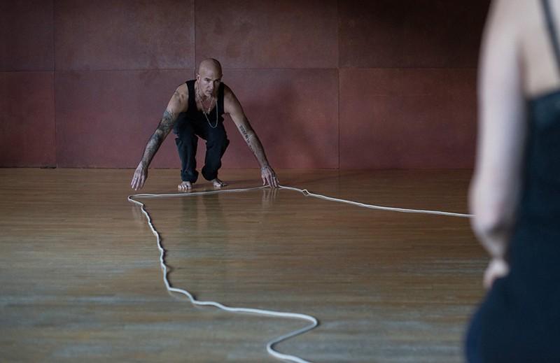 Janine Antoni Anna HalprinStephen PetronioRope Dance performance fabric workshop and museum