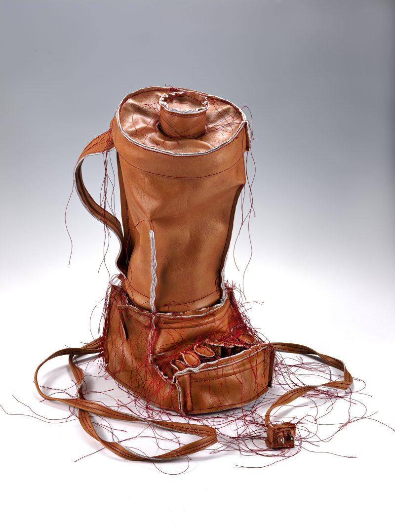 Artblog-Cabrera, Brown Blender