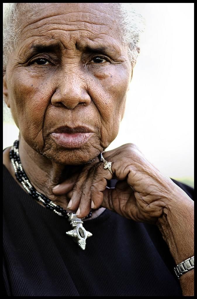 Portrait of Arlonzia Pettway, by Linda Day Clark © Linda Day Clark