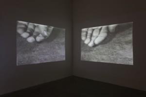 Dennis Oppenheim, >Air Pressure (Hand)= (1971), video stills. Courtesy Dennis Oppenheim Studio and MOTINTERNATIONAL. photo: Denis Mortell
