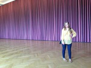 Thomas Demand wallpaper-curtain at the Stadel Museum